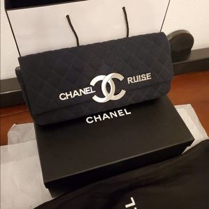 💯 Authentic CHANEL Cruise Quilted Flap Clutch